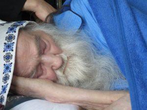 Parintele Justin pe patul de spital Cluj