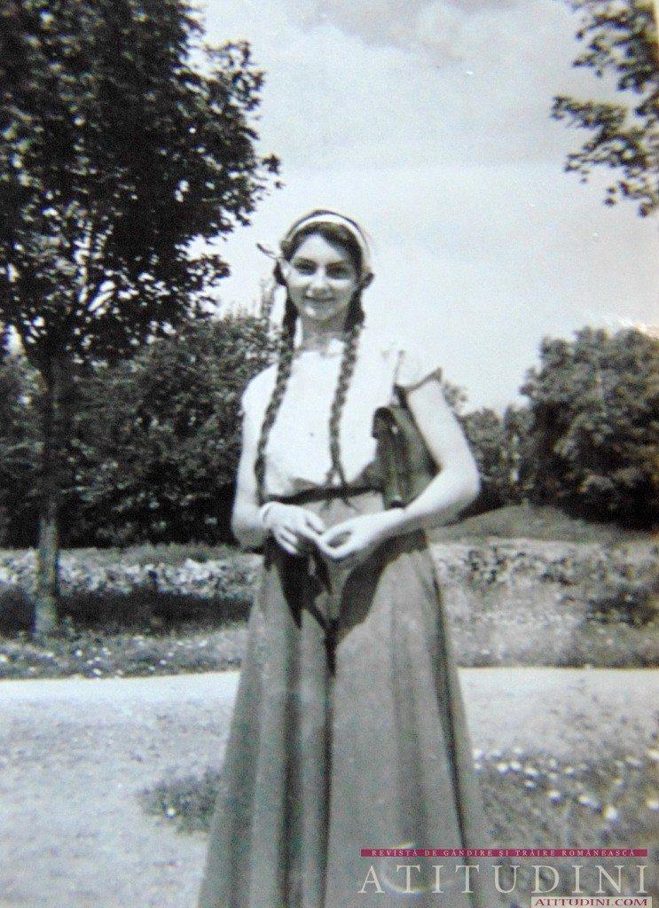 Mariuca Vulcanescu_tanara