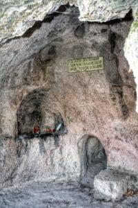 Sfantul-Grigorie-Palama-viata alcatita de maicile de la Manastirea Petru Voda-pestera